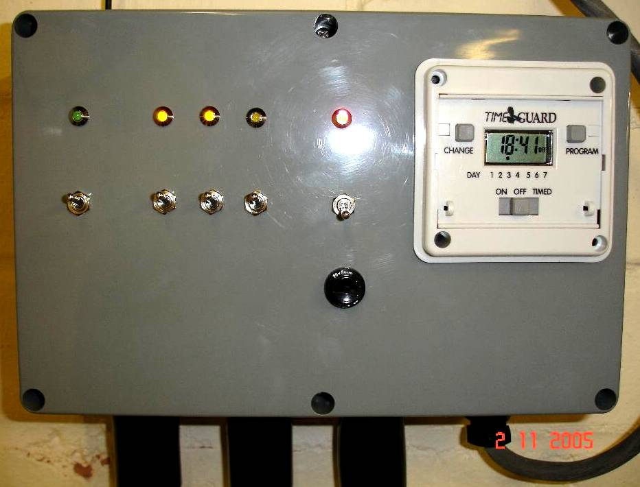 You are browsing images from the article: Remote lighting controller