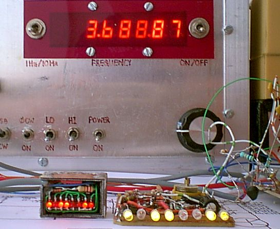 You are browsing images from the article: Simple frequency counter